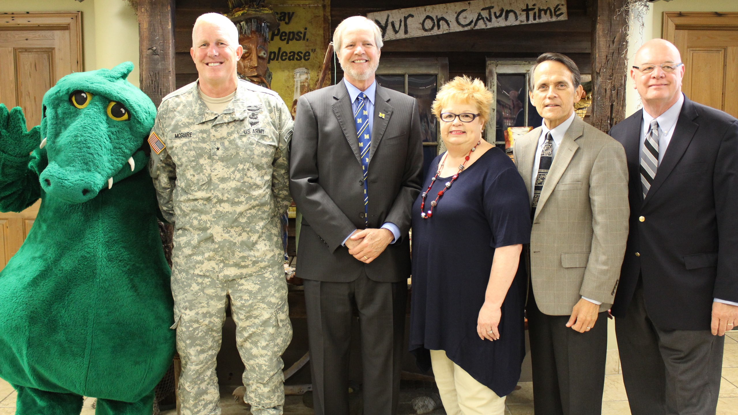 Fort Polk Brigadier General McGuire visits LC_1440799514127.jpg