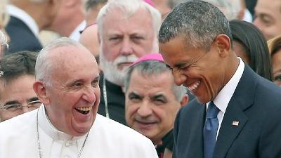 Pope-Francis-President-Obama-share-laugh-jpg_20150922232336-159532