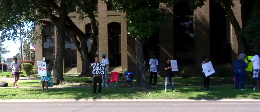 LPD Protest_1456184055572.png