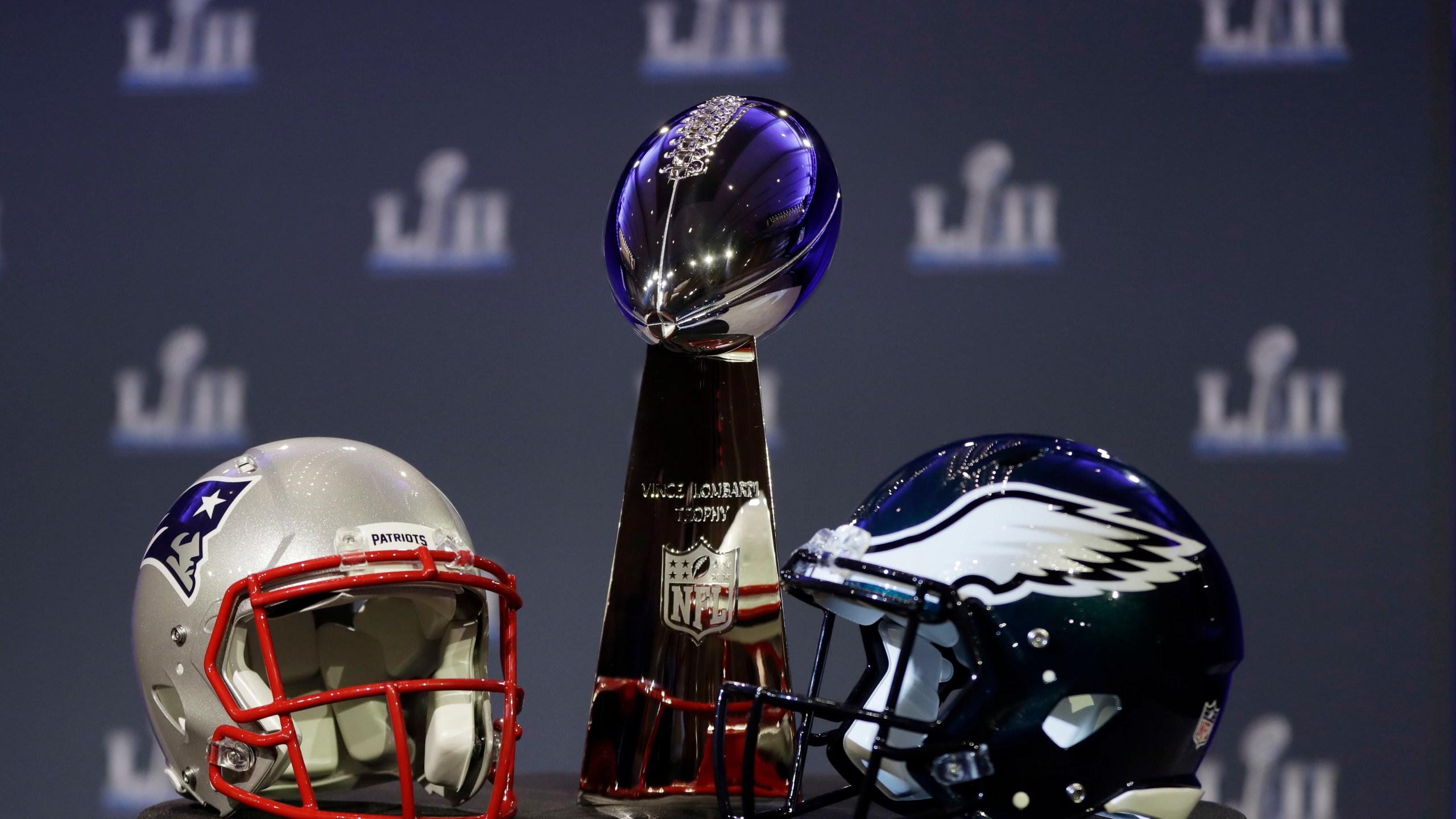 Eagles_Patriots_Super_Bowl_Football_29491-159532-159532.jpg41125096